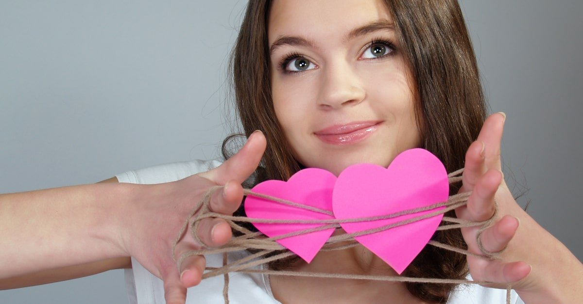 نتيجة بحث الصور عن التعامل مع المراهقين عند شعورهم بالحب أو الشغف.