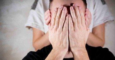 افكر في شخص غير زوجي ولا أستطيع مقاومة عقلي