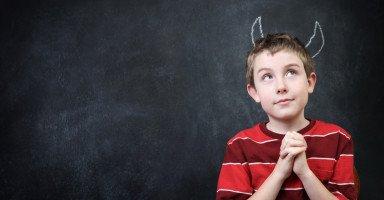 كيف أتصرف مع ابن زوجي المدلل والذي لا يتحمل المسؤولية
