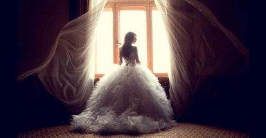 منعت أبي من حضور زفافي