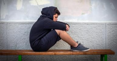 كيف ابعد ابني المراهق عن أصدقاء السوء؟
