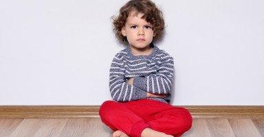 ابني عمره عامان لكن لا يتكلم إلا عندما أطلب منه الكلام