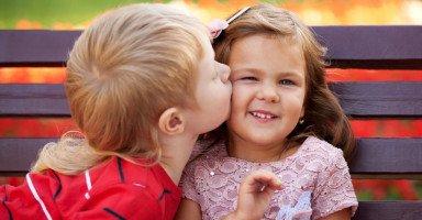 هل التوعية الجنسية ملائمة لطفل بعمر ثلاث سنوات