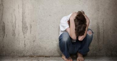 ابني يتعرض للتحرش ولا يستجيب لنصائحي