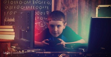 طفلي مدمن ألعاب الكترونية ويكره الاختلاط بمن حوله