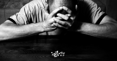 أعاني من الاكتئاب وجربت العديد من الأدوية ماذا أفعل الآن؟