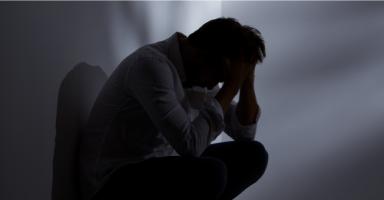 كيف أساعد أخي حتى يتخلص من غضبه وأفكاره الخاطئة؟
