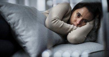 سيطر الضيق على زوجتي وأصابها التوتر والقلق