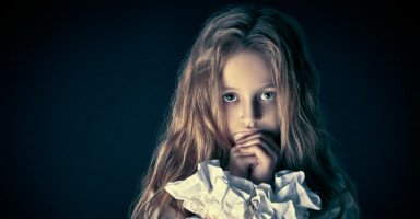 ابنتي تعرضت للتحرش من ابن خالتها كيف أتصرف مع الموقف