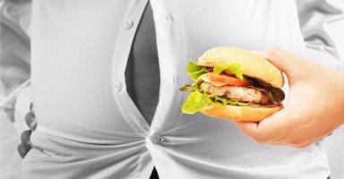 بسبب أكلات زوجتي وزني يزيد