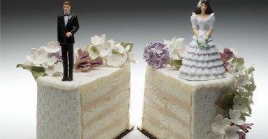 طلاق شقيقي من شقيقة زوجي قلب حياتي لجحيم؟