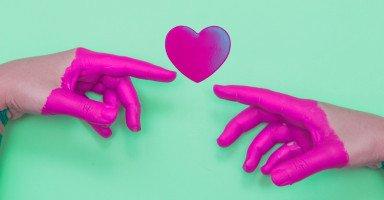 هل أظلم نفسي مع زوجي أم أوافق على حبيبي السابق