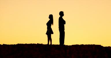هل أصارح خطيبي باني لا أريد الزواج به؟