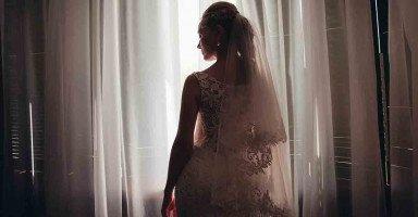 قاطعوني لأني تزوجت شاب اصغر مني