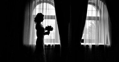 هل أقبل الزواج برجل أقل من مستوى عائلتي