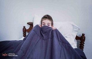 ابني 12 عام ويخاف من النوم لوحده والسبب هو تفكيره في وجود الجن