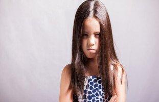 ابنة زوجي الوسطى لا تسمع الكلام وترد الكلمة بعشرة