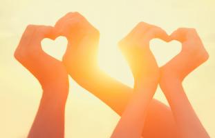 قصة صديقي أعادت لي ثقتي بالحب والإنسانية