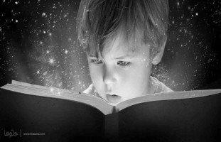 ابني يطلب مني قراءة الكتب الأدبية بالرغم من صغر سنه