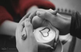 كيف لزوجي أن يملىء حياتي بالحب والحنان وهو إنسان خائن؟