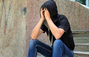 كيف أعوض ابني المراهق عن ما سببته له من عذاب؟