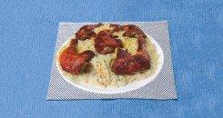 تقديم أرز المندي