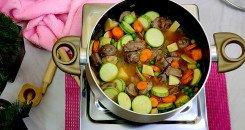 طبخ طاجن لللحم بالخضار